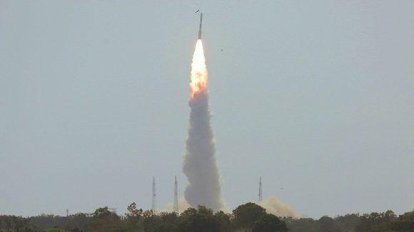 Lanzan en la India un cohete con 31 satélites. Foto: Reuters.