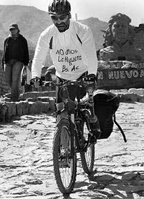 Martín Sharples recorrió tres mil kilómetros desde La Higuera hasta Buenos Aires.