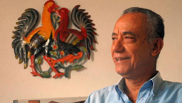 La Asamblea Municipal del Poder Popular en Yaguajay declaró a Fernando Martínez Heredia Hijo Ilustre en el 2001. Foto: Emilio Herrera/ Prensa Latina.