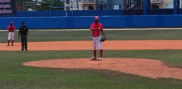 Norge Carlos Vera, el hijo del gran lanzador santiaguero, Norge Luis. Foto: Katheryn Felibe/ Cubadebate.