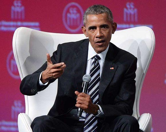 En conferencia de prensa Obama critica la salida de Estados Unidos del Acuerdo de París. Foto: @obamafundation.