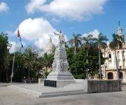 Estatua de José Martí en el Parque Central de La Habana. Foto tomada de Habana Radio.