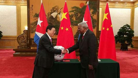 Presidentes del Parlamento de Cuba y China patentizaron lazos de cooperación entre ambas naciones. Foto: Archivo.