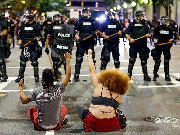 Protestas contra el abuso y el racismo de la policía en Estados Unidos. Foto: Reuters.