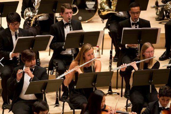 Alumnos de la Sinfónica Juvenil de Stanford. Foto tomada de choicecamps.com