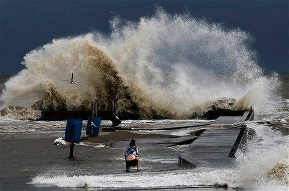 La tormenta tropical Cindy provoca inundaciones en la costa sur de los Estados Unidos. Foto: AP.