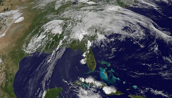 """Cindy """"toca"""" tierra el sur de los Estados Unidos y luego se degrada a depresión tropical. Imagen: GOES Project Science."""