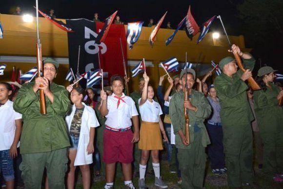 Niños participantes en la conmemoración del asalto al cuartel Carlos Manuel de Céspedes, en el aniversario 64 del suceso histórico, en la ciudad de Bayamo, provincia Granma, Cuba, el 26 de julio de 2017. ACN FOTO/Armando Ernesto Contreras.
