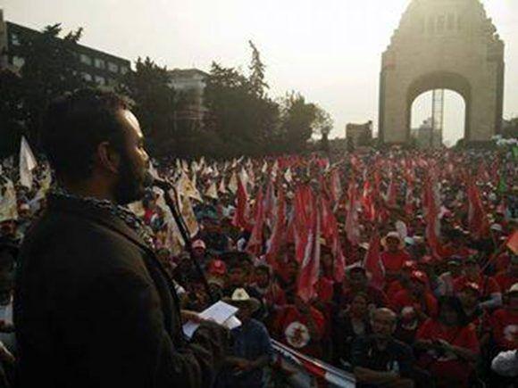 Diego Torres habla a los seguidores del comunismo en Mexico. Foto: Cortesía del entrevistado.