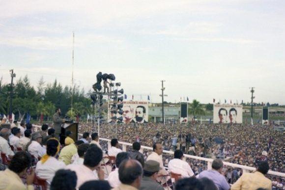 1976-fidel-en-pinar-del-rio-en-el-acto-por-el-26-de-julio-03