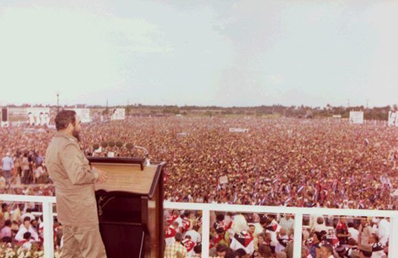 Fidel en Pinar del Río. Foto: Archivo.