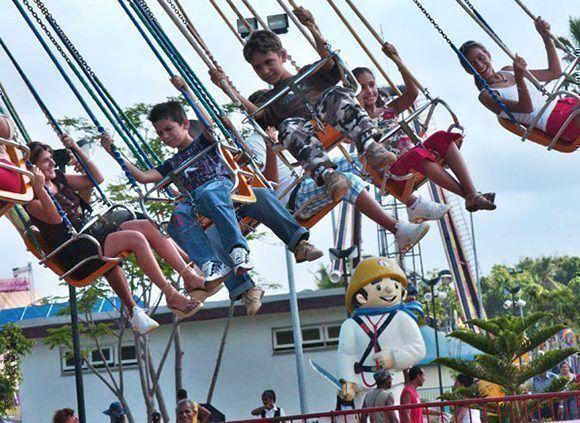 Unidad presupuestada, Parque de diverciones la Isla de los cocos. Ciuadad de La Habana Cuba, fecha 16 08 2008 foto Roberto Meriño