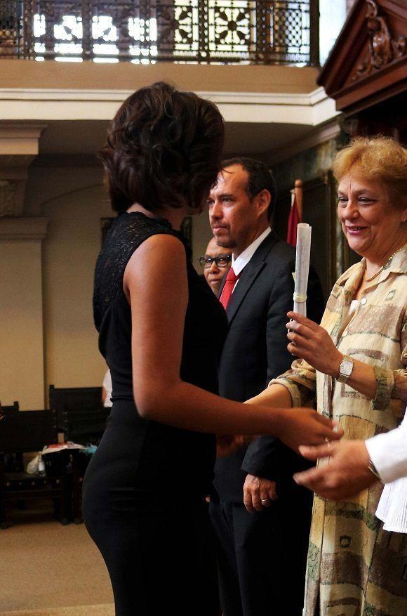 Claudia Acevedo Pérez, graduada integral de Curso por Encuentros en la carrera de Comunicación Social. Foto: Darío Gabriel Sánchez García.