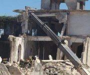 Se desploma pared de hotel en reconstrucción en Caibarien, Villa Clara. Foto: Radio Caibarien