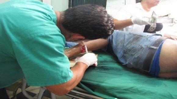 Los accidentados recibieron rápida atención medica. Foto: Radio Caibarién