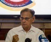 El embajador de Venezuela en Cuba, Alí Rodríguez Araque, durante la conferencia de prensa en La Habana. Foto: Ismael Francisco/ Cubadebate.