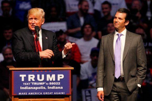 El presidente y su hijo. Foto tomada de Death and Taxes.