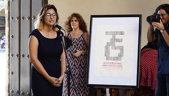 Intervención de la curadora Susana García en la inauguración de la muestra colectiva. Foto: Leysi Rubio/ Cubadebate