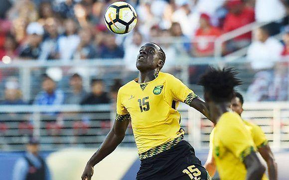 Jamaica sorpendió en semifinales al eliminar a México y en el partido decisivo le puso las cosas muy difíciles a Estados Unidos. Foto: AFP.
