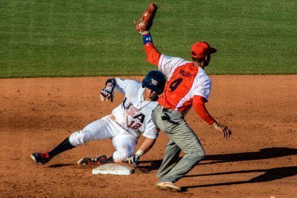 Primer juego de Béisbol del tope bilateral entre los equipos de Cuba y Estados Unidos, realizado en el  complejo nacional  de entrenamiento de la organización USA Baseball, en Carolina del Norte, Estados Unidos, ACN FOTO/Abel PADRÓN PADILLA