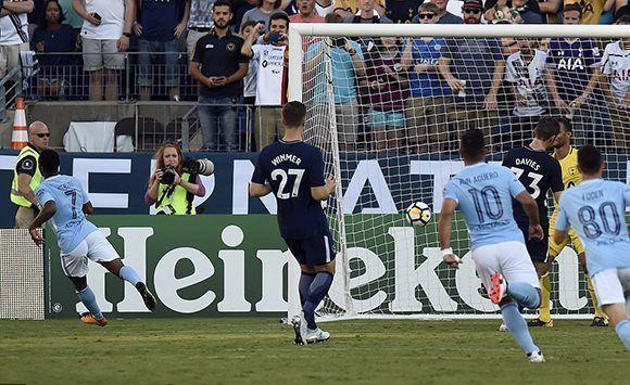 """Los """"skyblues"""" dominaro 3-0 a los """"Spurs"""" en la Internacional Champions Cup. Foto: AP."""