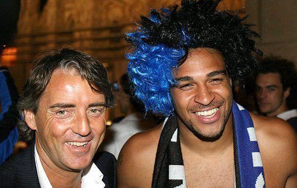 No siempre fueron tensas las relaciones entre Mancini y Adriano. Foto tomada de Inter Mediolan.