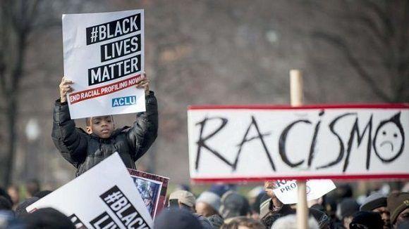 Protestas raciales en EEUU tras la muerte de dos jovenes negros a manos de la policia. Foto: EFE.