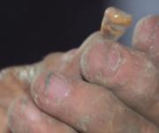 Este es el tercer molar de un individuo descubierto durante la prospección, en las afueras de la cueva.