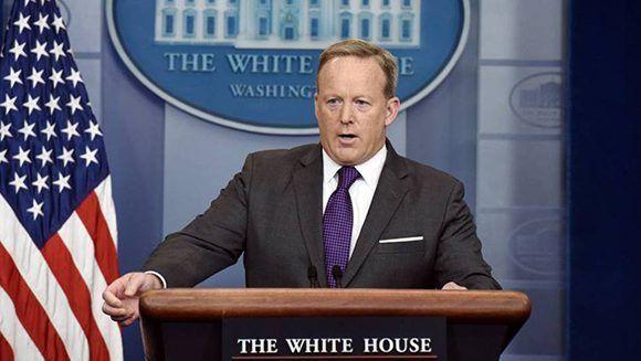 Sean Spicer dimitió como portavoz de la Casa Blanca. Foto: AFP.
