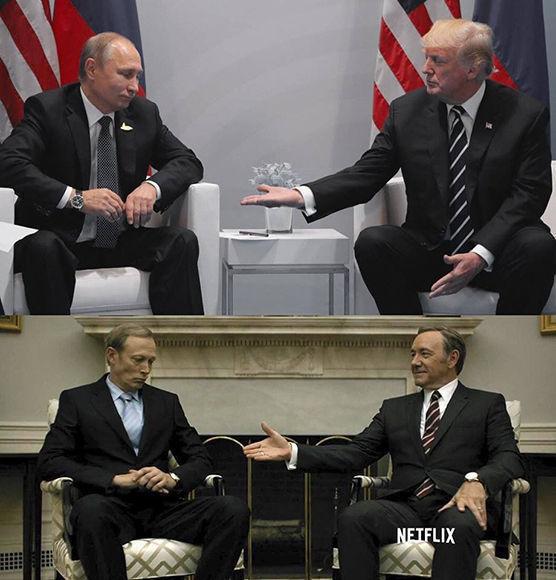 Similitudes entre los encuentro de los presidentes Putin y Trump, y una escena ficticia de la serie de Netflix. Foto de @00Author87