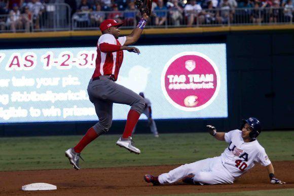 Tercer juego del VI Tope Amistoso de béisbol entre Cuba y Estados Unidos, en el estadio BBT Ball Park, en la ciudad de Charlotte, Carolina del Norte, el 4 de julio de 2017. Roberto Morejon/Periodico JIT INDER
