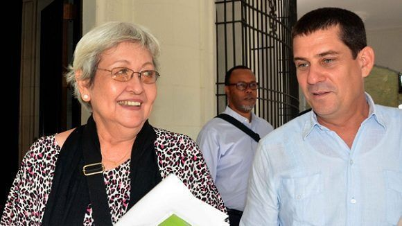 Virginia Dandan, experta independiente sobre Derechos Humanos y Solidaridad Internacional de la Organización de Naciones Unidas (ONU), se reunió hoy, en la capital, con representantes de la sociedad civil socialista cubana, a la que pertenecen organizaciones sociales y de masas. Foto: ACN.