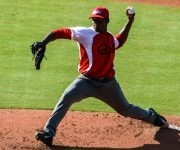 Yoenni Yera, pitcher abridor por el equipo de béisbol de Cuba, en el primer juego del tope amistoso entre las selecciones de Cuba y Estados Unidos, realizado en el  complejo nacional  de entrenamiento de la organización USA Baseball, en Carolina del Norte, Estados Unidos, ACN FOTO/Abel PADRÓN PADILLA