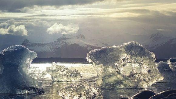 Según investigadores de España y Argentina, el turismo y las bases científicas son responsables del vertido de sustancias que podrían dañar este ecosistema.