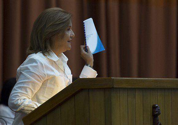 Elba Rosa Pérez Montoya, ministra de Ciencia, Tecnología y Medio Ambiente. Foto: Irene Pérez/ Cubadebate.