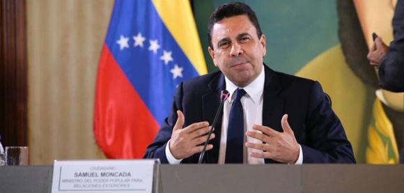 El Canciller de Venezuela en rueda de prensa del Canciller de la República Bolivarina de Venezuela, @SMoncada_VEN, desde la Casa Amarilla. Foto: @vencancilleria