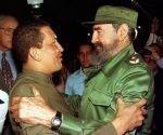 Primer encuentro entre Fidel y Chávez, año 1994. Foto: Archivo.