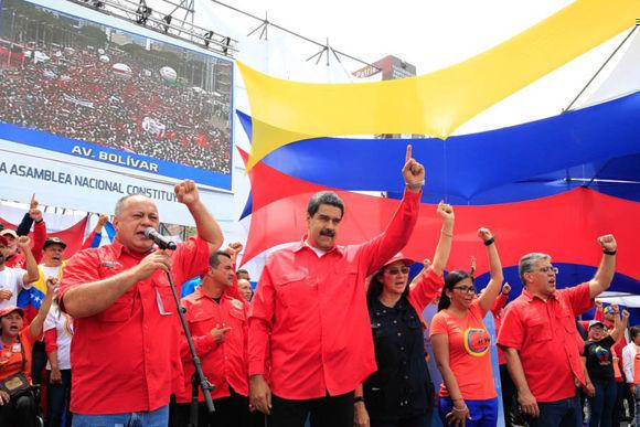 """Diosdado Cabello, candidato a la ANC, ratificó que a solo tres días de realizarse las elecciones el pueblo está convencido que será """"el día de un lindo amanecer de Constituyente"""". Foto: @PresidencialVen"""
