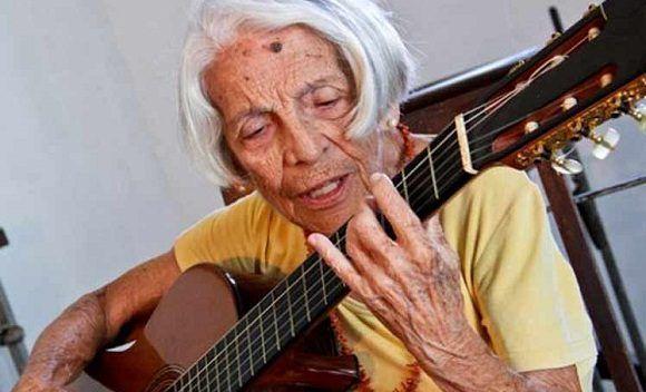 Fallece guitarrista cubana Clara Nicola