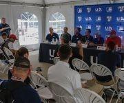 Participantes en la conferencia de prensa sobre el tope bilateral entre los equipos de béisbol de Cuba y Estados Unidos, realizada en el  complejo nacional  de entrenamiento de la organización USA Baseball, en Carolina del Norte, Estados Unidos, ACN FOTO/Abel PADRÓN PADILLA