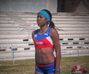 Davisleidys Velazco, la nueva perla del salto triple cubano. Foto: DeporCuba.