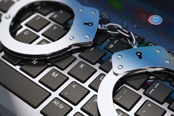 La consultora Javelin Strategy y Research señaló en su investigación que las modalidades más vulneradas son los documentos oficiales, tarjetas de crédito, teléfonos móviles, fraude bancario, así como los datos personales y los préstamos.