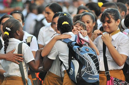 Pinar del Río, Alegría de adolescentes. Foto: Carlos Bauta / Guerrillero