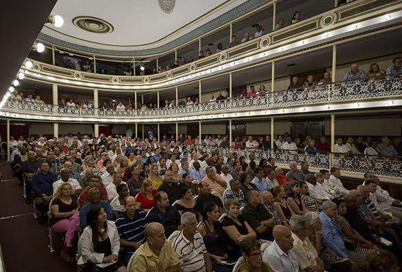 """La gala cultural """"Nosotros"""" tuvo lugar en el teatro José Jacinto Milanés. Foto: Irene Pérez/ Cubadebate."""