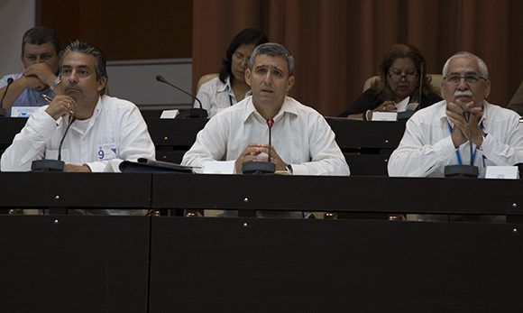 En Ministerio de Comunicaciones ofreció amplia información a los diputados.