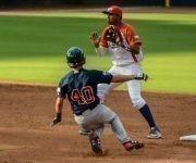 Segundo juego de béisbol del tope bilateral entre los equipos de Cuba y Estados Unidos, en el estadio Goodmon Field, en Carolina del Norte, el 03 de julio de 2017. Foto: ACN