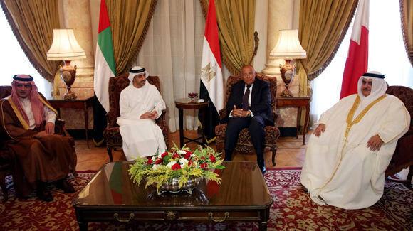 El ministro de Asuntos Exteriores de Arabia Saudí, de EAU, de Egipto y de Bahréin, este miércoles en El Cairo. Foto: Reuters.