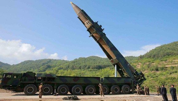 El misil balístico intercontinental Hwasong-14. Foto: KCNA.