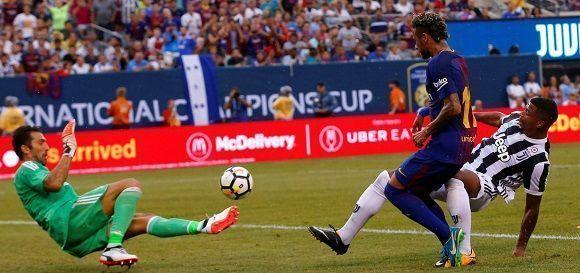 Neymar marcó un doblete ante la Juventus y le dio el triunfo al FC  Barcelona en su primer partido amistoso de esta pretemporada. Foto: Reuters.