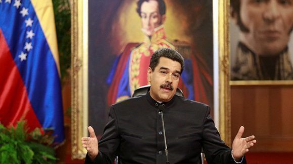 Washington no impone sanciones al sector petrolero de Venezuela, pero está sopesando esta clase de medidas.